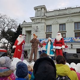 20171223 164715 270x270 Санта Клаус отдыхает   на арене Дед Мороз