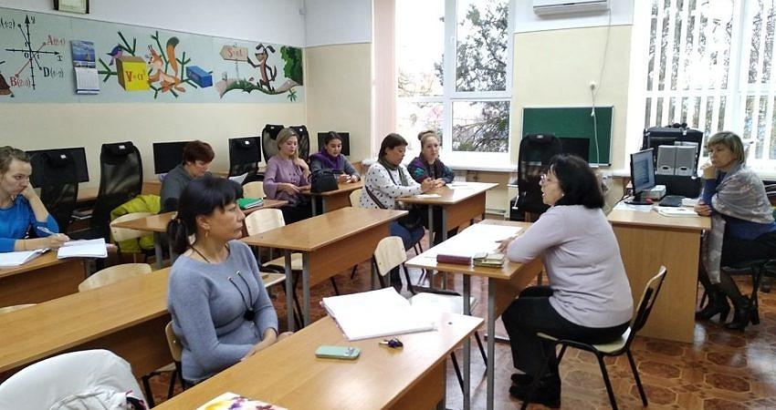 Школа молодого педагога продолжает свою работу