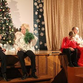 IMG 0432 270x270 Зажглась  звезда – Христос родился! Весь мир любовью озарился! Пусть счастье входит в каждый дом! С прекрасным светлым Рождеством!