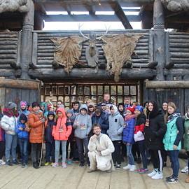 IMG 5609 270x270 Экскурсия в Красные пещеры и парк «Викинг»