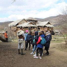 IMG 5681 270x270 Экскурсия в Красные пещеры и парк «Викинг»