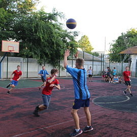 IMG 0422 270x270 Соревнования по баскетболу
