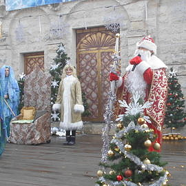 7 2 270x270 На арене Дед Мороз