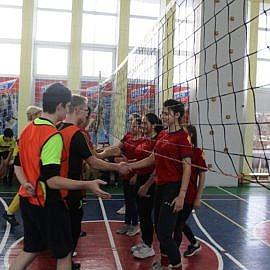 IMG 6810 270x270 Товарищеская встреча по волейболу