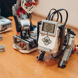 DSC 0651 270x270 Открытие класса робототехники